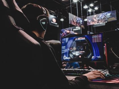YouTube получил эксклюзивные права на трансляцию Overwatch League, CoD League и турниров по Hearthstone