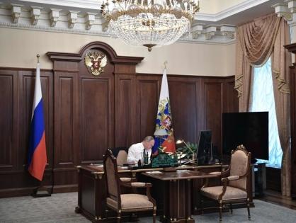 Президент подписал закон о предустановке российского софта на устройства